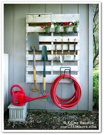 DIY Garden Storage Pallet