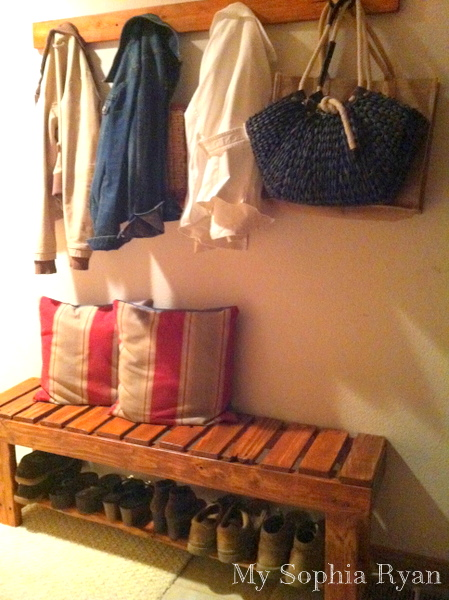 DIY Rustic Bench Made From Wood Pallets
