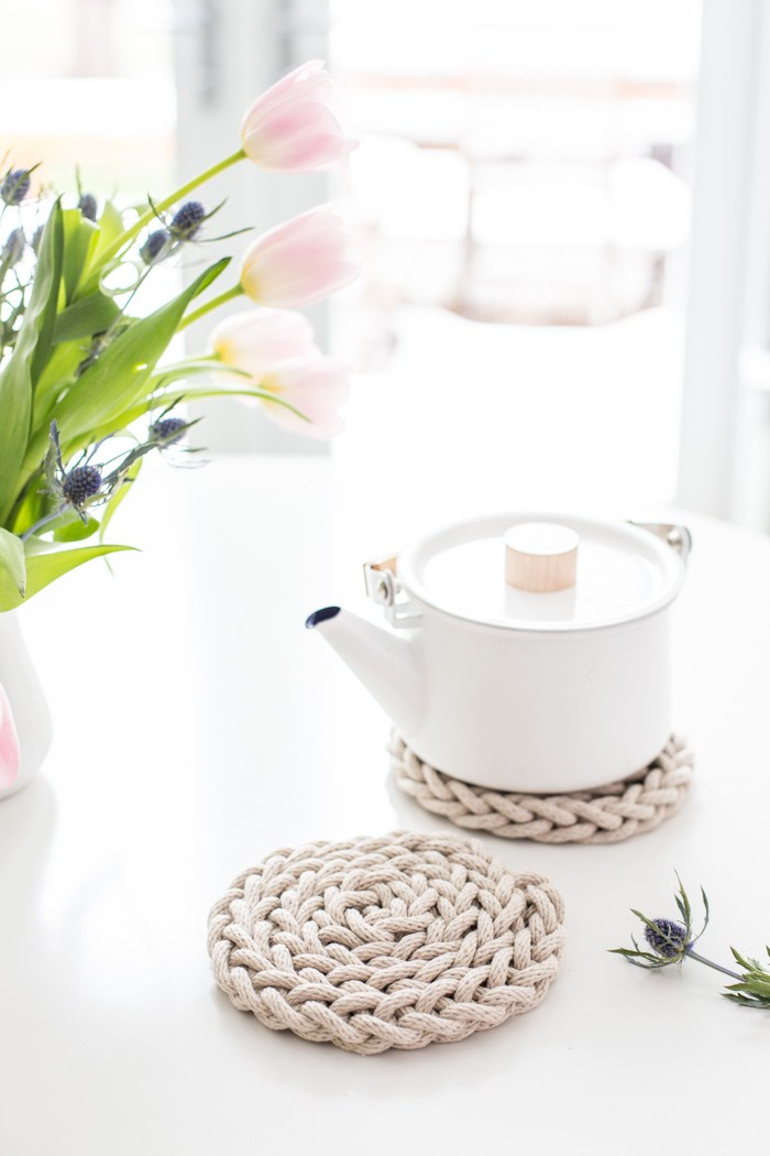 Finger Knit Rope Trivet