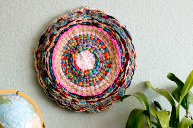 Woven Finger-Knitting Hula-Hoop Rug