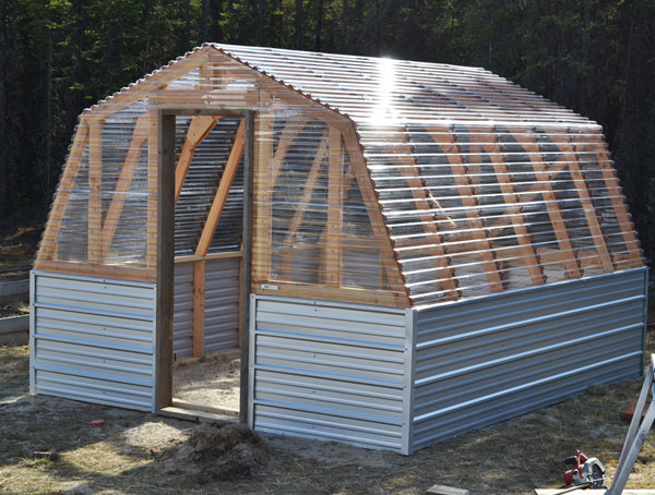 DIY Barn-Style Greenhouse