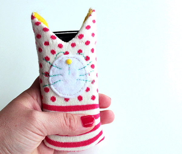DIY Cute Cat Cover for Your Phone
