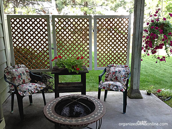 DIY Easy Patio Privacy Screen