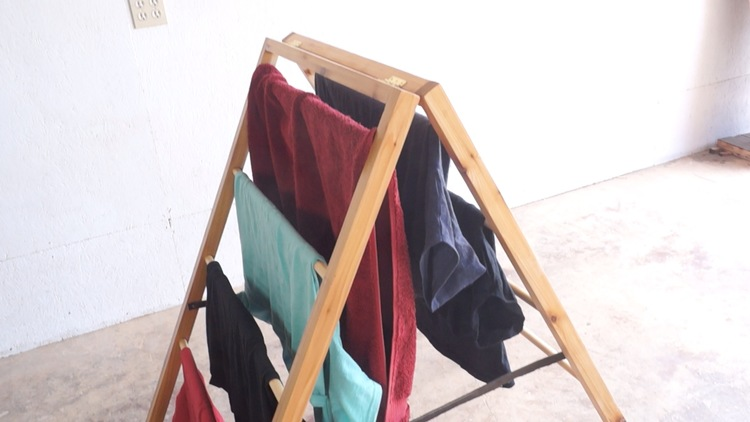 DIY Foldable Clothes Drying Rack