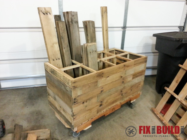 DIY Mobile Pallet Wood Storage Rack