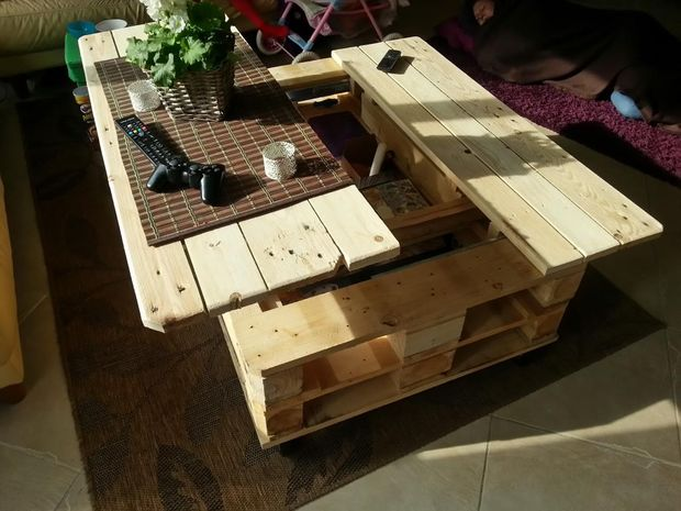 DIY Multifunction Pallet Coffee Table With Storage