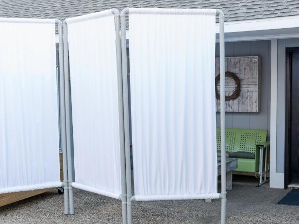 DIY Outdoor Privacy Screen From PVC Pipe