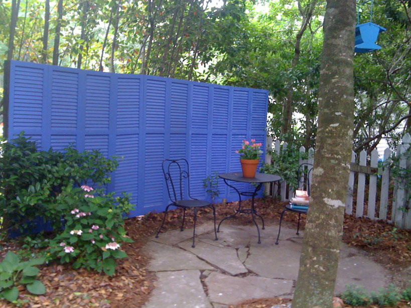 DIY Repurposed Shutter Screen