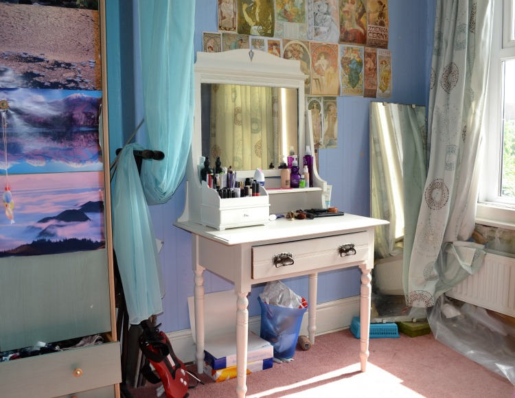 DIY Shabby Chic Dressing Table