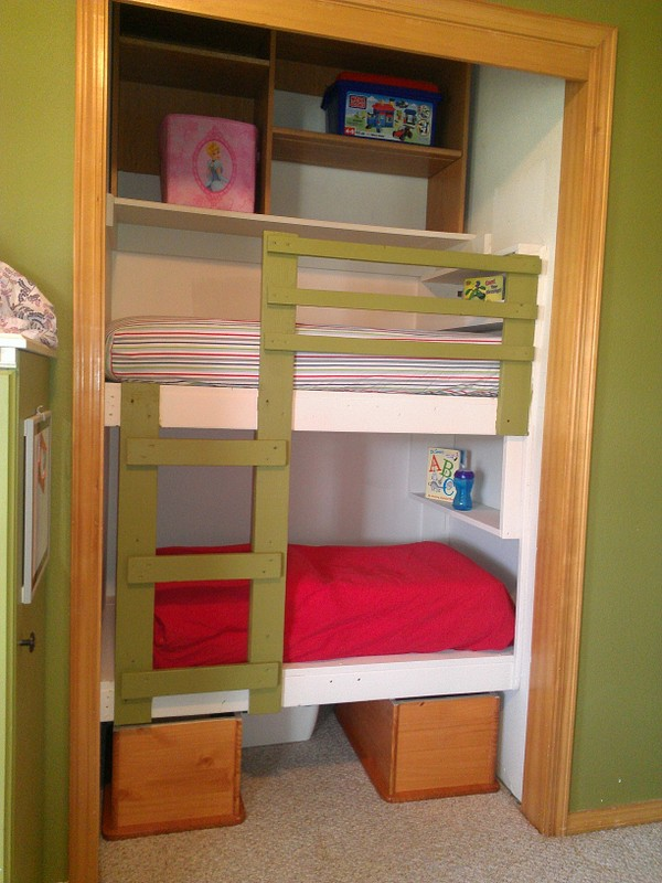 DIY Unique Built-In Bunk Beds