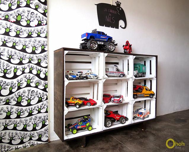 DIY Crates Storage